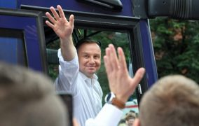 POLISH ELECTIONS: DUDA FACES RUNOFF AFTER RIVAL POLLS STRONGLY